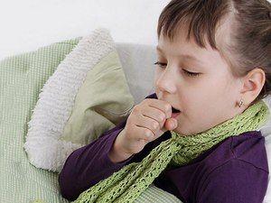 Zakaj otrok razvije dolgotrajen kašelj brez vročine