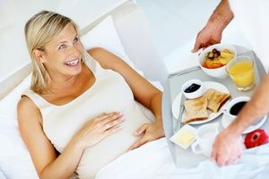 Med med nosečnostjo