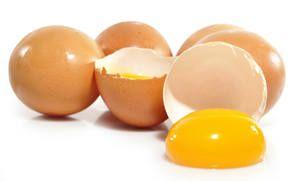 Surova jajca iz kokoši: korist ali škoda za človeško telo